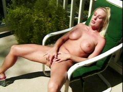 Blondine will outdoor Solosex
